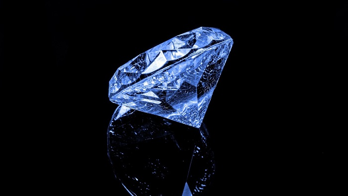 Dreams About Diamonds – Interpretation and Meaning